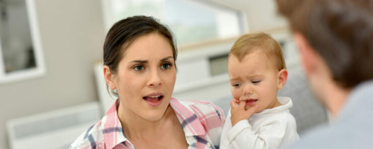 Matka a otec se hádají o výši alimentů