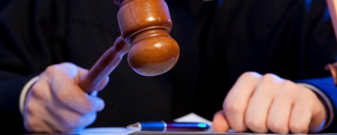Soudce rozhoduje v trestním řízení