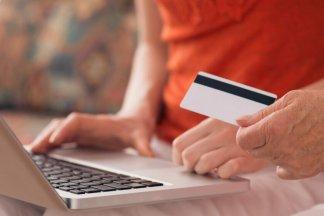 ženy nakupuji na internetuu