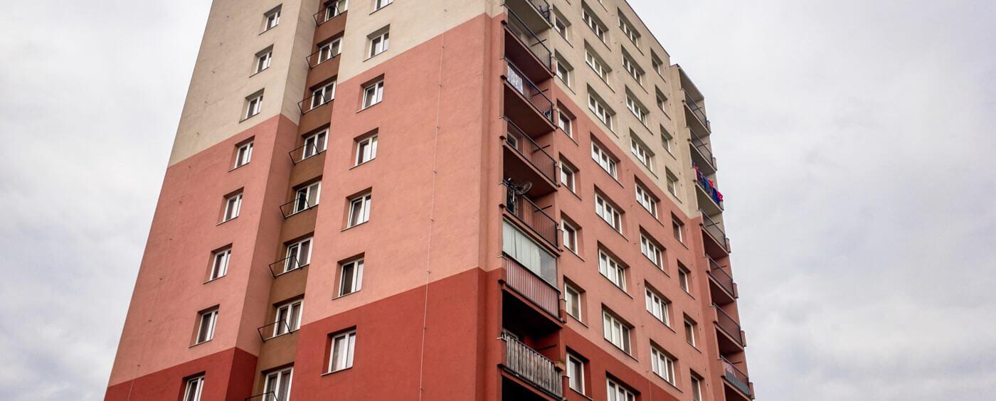pohled na bytový dům
