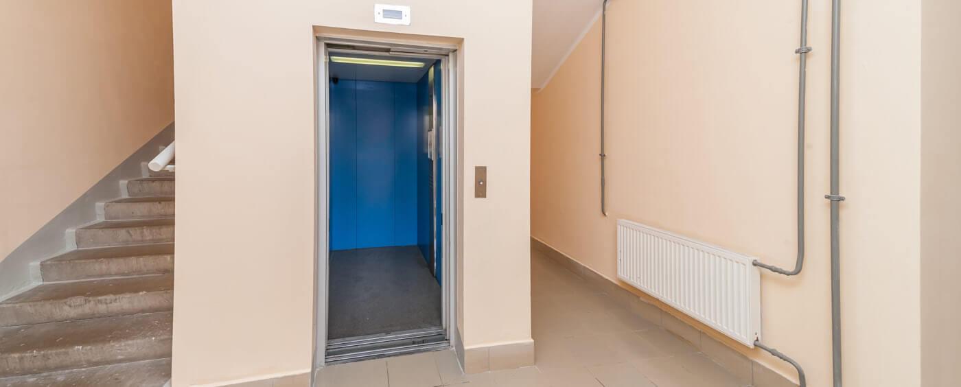 výtah v bytovém domě