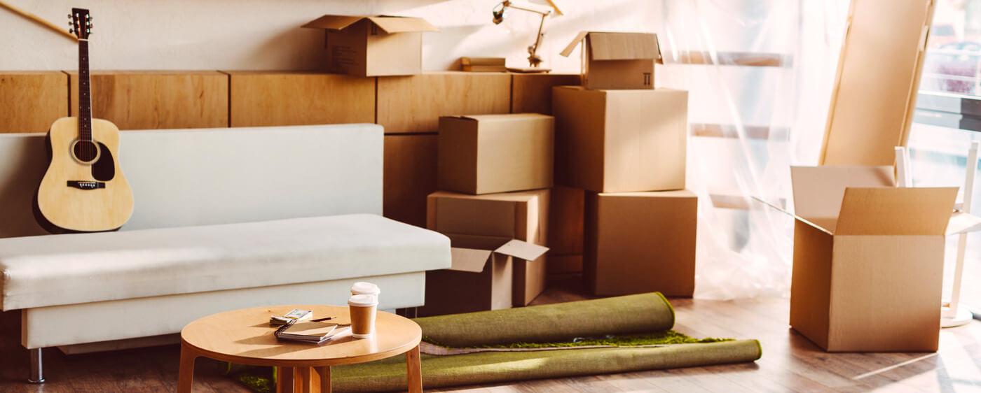 Krabice v bytě po ukončení nájmu bytu