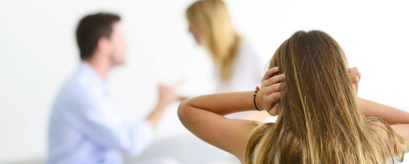 Nezletilé dítě trpící neshodami při rozvodu