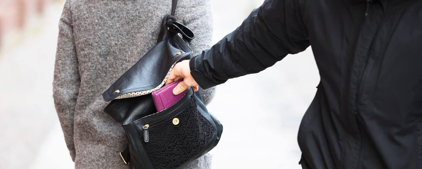 Ohlášení trestního činu za krádež peněženky z kabelky