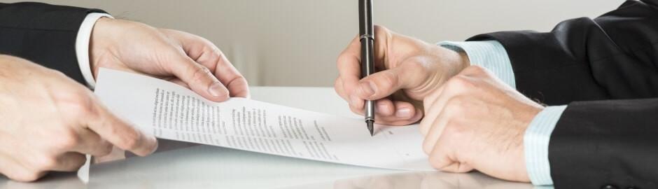 Podepisování pracovní smlouvy